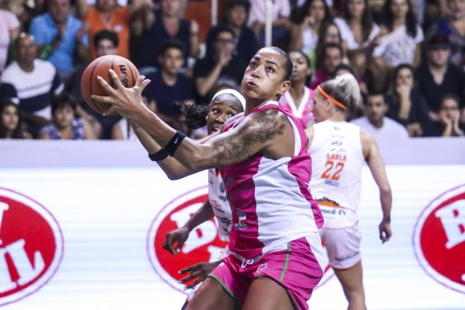 Em três temporadas na LBF, Erika de Souza possui um título e dois vice-campeonatos (Divulgação/Inovafoto)