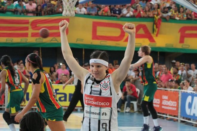 Uma das grandes destaques do Corinthians/Americana na temporada passada, a argentina Melissa Gretter continuará na equipe alvinegra (Biaman Prado/LBF)