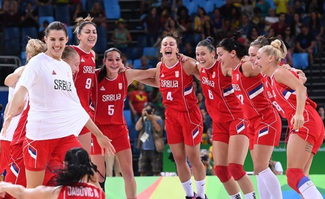 É pra comemorar muito! Com jogo muito emocionante, a Sérvia desbancou a favorita Austrália e avançou para a semifinal da Olimpíada (Divulgação/FIBA)