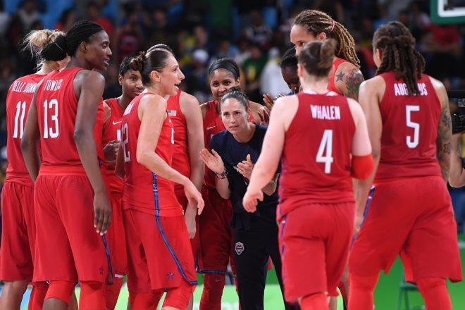 A equipe norte-americana busca aumentar sua soberania e vencer a sexta medalha de ouro seguida do (Divulgação/FIBA)